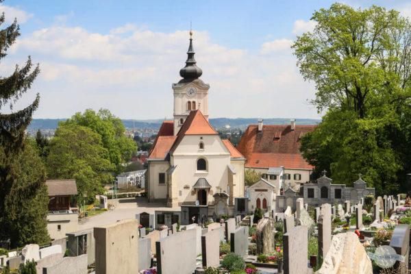 Der Friedhof Strassgang mit seiner Kirche