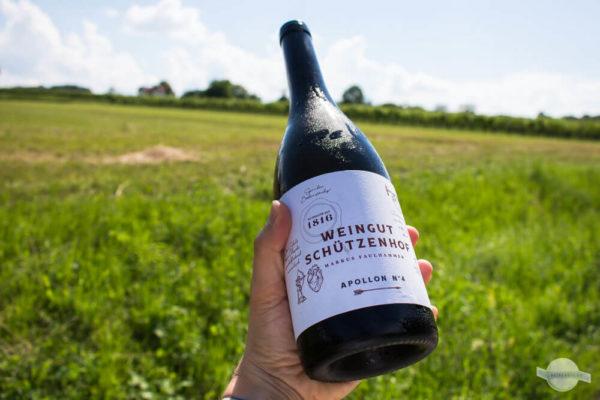 Weinflasche vom Weingut Schützenhof
