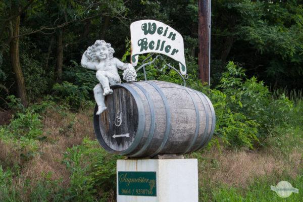 Weinkeller Fass mit Figur