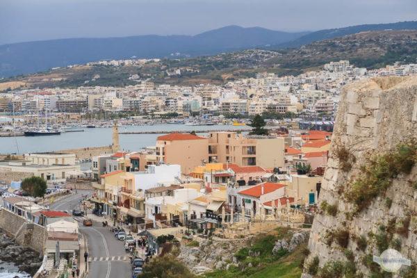 Blick über Rethymno zum Psiloritis