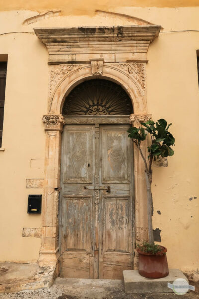 Venezianische Tür auf Kreta