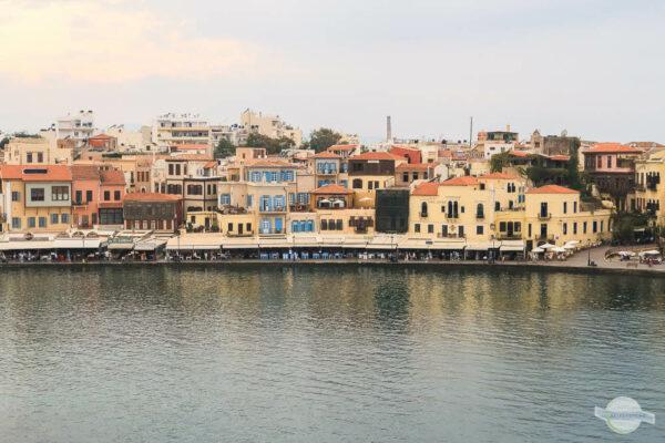 Häuser im Hafen von Chania