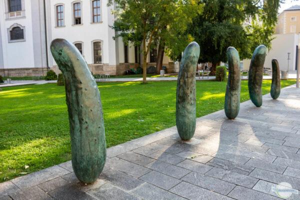 Gurkerl in Salzburg von Erwin Wurm